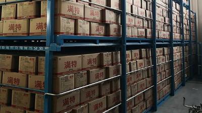 堆垛架在冷库中搬运的注意事项
