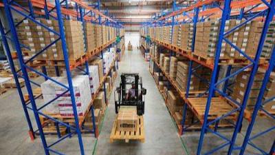 金属托盘与仓储货架的结合在仓库频频出现